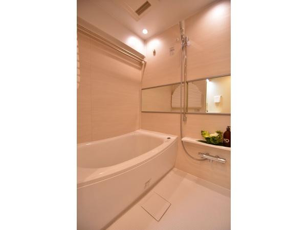 広々浴室(浴室乾燥機つき)